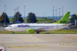 ちゃぽんさんが、パリ シャルル・ド・ゴール国際空港で撮影したエア・バルティック 737-31Sの航空フォト(飛行機 写真・画像)
