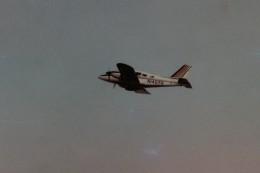 ヒロリンさんが、横田基地で撮影したアメリカ個人所有 PA-23-250 Aztecの航空フォト(飛行機 写真・画像)