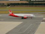 kiyohsさんが、ウィーン国際空港で撮影したエア・ベルリン A320-214の航空フォト(飛行機 写真・画像)