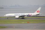 OMAさんが、羽田空港で撮影した日本航空 777-246の航空フォト(写真)