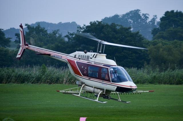 筑波のヘリ撮りさんが、真壁滑空場で撮影したヘリサービス 206B-3 JetRanger IIIの航空フォト(飛行機 写真・画像)