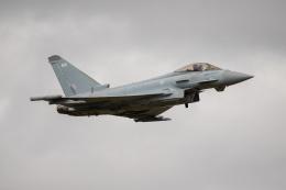 チャッピー・シミズさんが、フェアフォード空軍基地で撮影したイギリス空軍 EF-2000 Typhoon FGR4の航空フォト(飛行機 写真・画像)