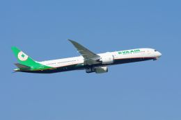 ladyinredさんが、成田国際空港で撮影したエバー航空 787-10の航空フォト(飛行機 写真・画像)
