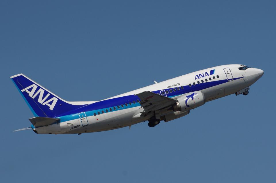 yabyanさんのANAウイングス Boeing 737-500 (JA306K) 航空フォト