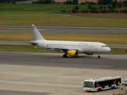 航空フォト:EC-KDH ブエリング航空 A320