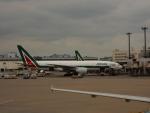 kiyohsさんが、成田国際空港で撮影したアリタリア航空 777-243/ERの航空フォト(写真)
