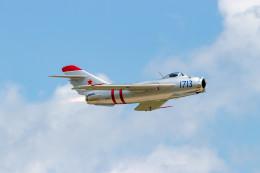 またぁりさんが、ウィットマンリージョナル空港で撮影したRED STAR AERO SERVICES LLC MOBILE , AL, US MiG-17の航空フォト(飛行機 写真・画像)