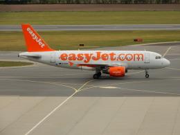 kiyohsさんが、ウィーン国際空港で撮影したイージージェット A319-111の航空フォト(飛行機 写真・画像)