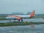 kiyohsさんが、アムステルダム・スキポール国際空港で撮影したイージージェット A320-214の航空フォト(飛行機 写真・画像)