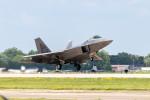 またぁりさんが、ウィットマンリージョナル空港で撮影したアメリカ空軍 F-22A-20-LM Raptorの航空フォト(写真)