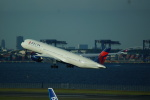 FRTさんが、羽田空港で撮影したデルタ航空 A350-941XWBの航空フォト(飛行機 写真・画像)