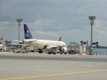 kiyohsさんが、フランクフルト国際空港で撮影したサウジアラビア航空 A320-214の航空フォト(飛行機 写真・画像)