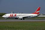 Gambardierさんが、伊丹空港で撮影したJALエクスプレス 737-446の航空フォト(写真)