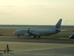 kiyohsさんが、羽田空港で撮影した日本航空 737-846の航空フォト(写真)