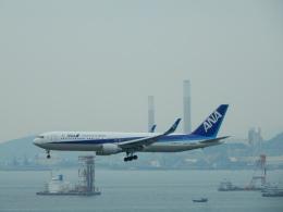 kiyohsさんが、香港国際空港で撮影した全日空 767-381/ERの航空フォト(飛行機 写真・画像)