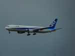 kiyohsさんが、成田国際空港で撮影した全日空 767-381の航空フォト(飛行機 写真・画像)