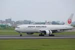 スリーナインさんが、伊丹空港で撮影した日本航空 777-289の航空フォト(写真)