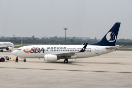 xingyeさんが、西安咸陽国際空港で撮影した山東航空 737-75Nの航空フォト(飛行機 写真・画像)