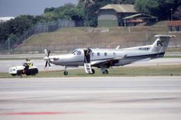 apphgさんが、シンガポール・チャンギ国際空港で撮影したピラタス・エアクラフト PC-12の航空フォト(飛行機 写真・画像)