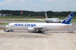 代打の切札さんが、成田国際空港で撮影した全日空 767-381/ER(BCF)の航空フォト(写真)