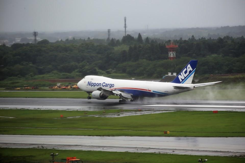 T.Sazenさんの日本貨物航空 Boeing 747-8 (JA17KZ) 航空フォト
