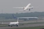 木人さんが、新千歳空港で撮影した日本航空 777-289の航空フォト(写真)