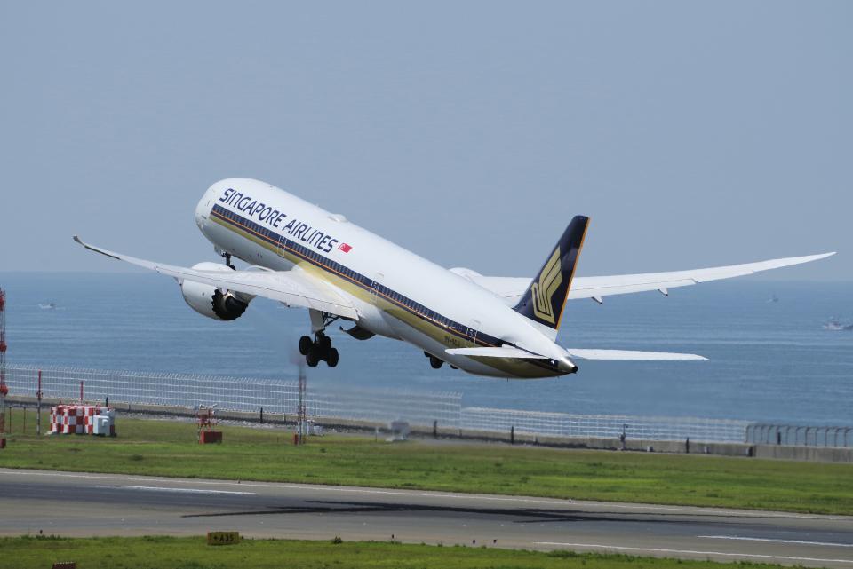 yabyanさんのシンガポール航空 Boeing 787-10 (9V-SCJ) 航空フォト