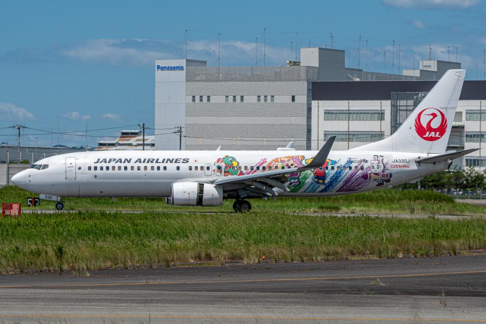 KAIHOさんの日本航空 Boeing 737-800 (JA330J) 航空フォト