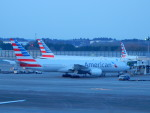 kiyohsさんが、成田国際空港で撮影したアメリカン航空 777-223/ERの航空フォト(飛行機 写真・画像)