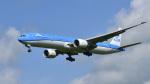 パンダさんが、成田国際空港で撮影したKLMオランダ航空 777-306/ERの航空フォト(写真)