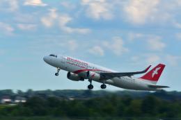 しゅん83さんが、ボルィースピリ国際空港で撮影したエア・アラビア A320-214の航空フォト(飛行機 写真・画像)