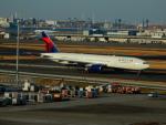 kiyohsさんが、羽田空港で撮影したデルタ航空 777-232/ERの航空フォト(写真)