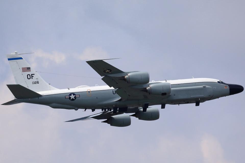 take_2014さんのアメリカ空軍 Boeing C-135 Stratolifter (62-4126) 航空フォト
