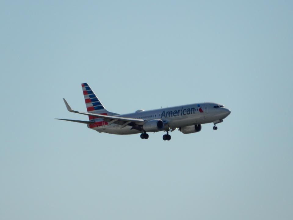 kiyohsさんのアメリカン航空 Boeing 737-800 (N974AN) 航空フォト