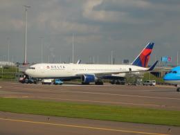 kiyohsさんが、アムステルダム・スキポール国際空港で撮影したデルタ航空 767-3P6/ERの航空フォト(飛行機 写真・画像)