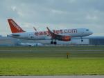 kiyohsさんが、アムステルダム・スキポール国際空港で撮影したイージージェット・ヨーロッパ A320-214の航空フォト(飛行機 写真・画像)