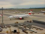 kiyohsさんが、ウィーン国際空港で撮影したオーストリア航空 777-2B8/ERの航空フォト(飛行機 写真・画像)