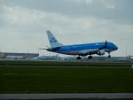 kiyohsさんが、アムステルダム・スキポール国際空港で撮影したKLMシティホッパー ERJ-170-200 (ERJ-175STD)の航空フォト(写真)