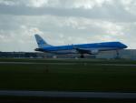 kiyohsさんが、アムステルダム・スキポール国際空港で撮影したKLMシティホッパー ERJ-190-100(ERJ-190STD)の航空フォト(飛行機 写真・画像)