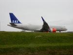kiyohsさんが、アムステルダム・スキポール国際空港で撮影したスカンジナビア航空 A320-251Nの航空フォト(飛行機 写真・画像)