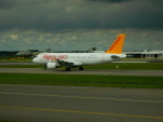 kiyohsさんが、アムステルダム・スキポール国際空港で撮影したペガサス・エアラインズ A320-214の航空フォト(飛行機 写真・画像)