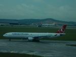 kiyohsさんが、クアラルンプール国際空港で撮影したターキッシュ・エアラインズ A330-303の航空フォト(飛行機 写真・画像)