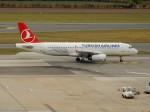 kiyohsさんが、ウィーン国際空港で撮影したターキッシュ・エアラインズ A320-232の航空フォト(飛行機 写真・画像)
