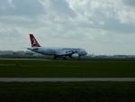 kiyohsさんが、アムステルダム・スキポール国際空港で撮影したターキッシュ・エアラインズ A320-232の航空フォト(飛行機 写真・画像)