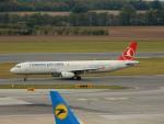kiyohsさんが、ウィーン国際空港で撮影したターキッシュ・エアラインズ A321-231の航空フォト(写真)