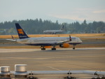 kiyohsさんが、シアトル タコマ国際空港で撮影したアイスランド航空 757-256の航空フォト(飛行機 写真・画像)