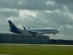 kiyohsさんが、アムステルダム・スキポール国際空港で撮影したウクライナ国際航空 737-8Q8の航空フォト(飛行機 写真・画像)