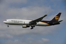 tassさんが、成田国際空港で撮影したUPS航空 767-34AF/ERの航空フォト(飛行機 写真・画像)