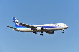 ポン太さんが、成田国際空港で撮影した全日空 767-381の航空フォト(写真)