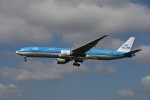 tassさんが、成田国際空港で撮影したKLMオランダ航空 777-306/ERの航空フォト(飛行機 写真・画像)
